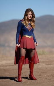 SupergirlAboutToKickAss